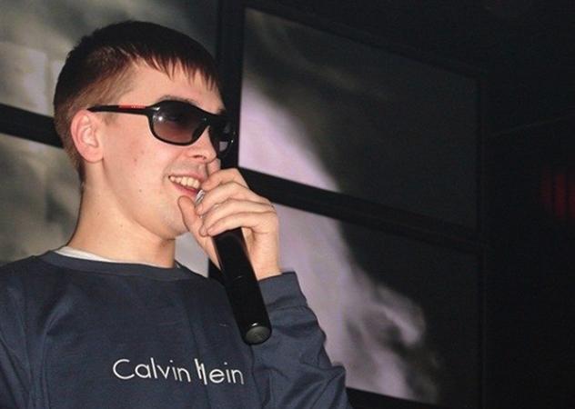 Максим Брылин на сцене