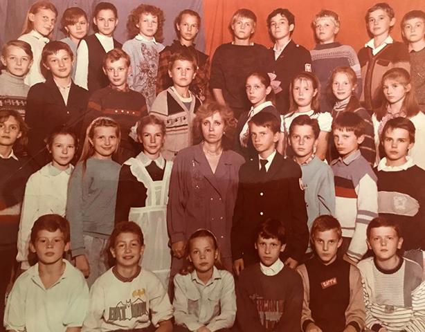 Андрей Кириленко (верхний ряд, в центре) в школьные годы