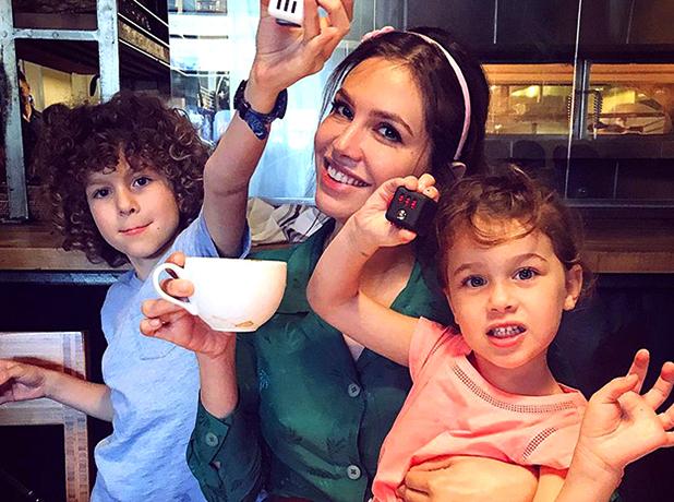 С детьми Аароном и Леей