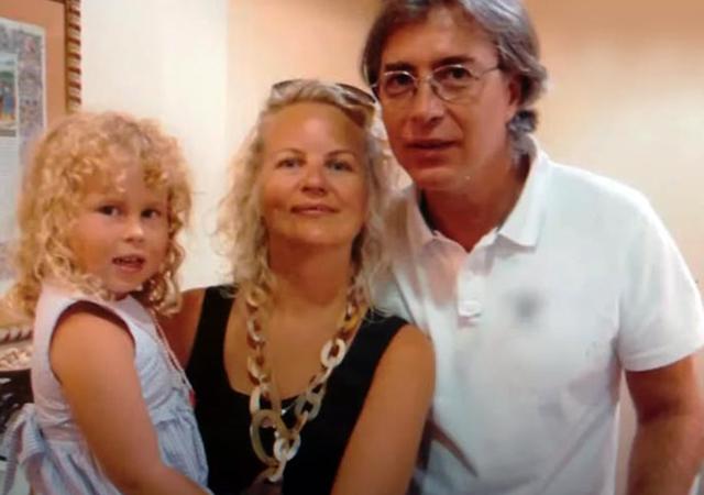 Старшая дочь Арина с мужем и дочерью