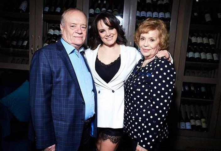С женой Натальей и дочерью Анастасией