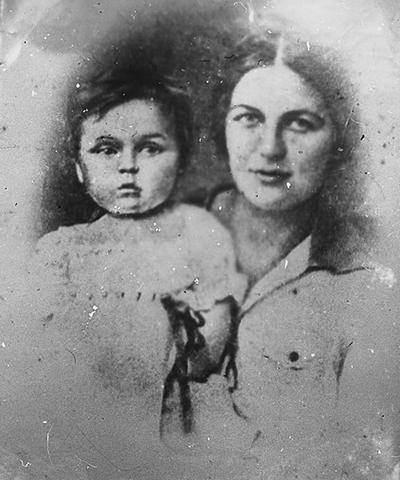 Жена Ольга с дочерью Адой