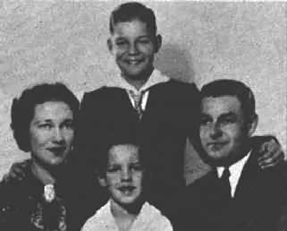 Ричард Чемберлен с родителями и братом