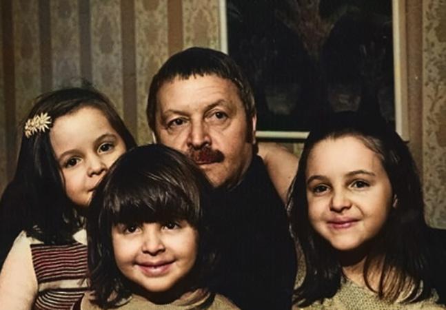 С дочерьми Екатериной, Ольгой и Анной