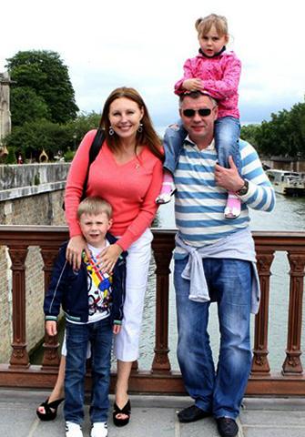 С Николаем Борисовым и детьми