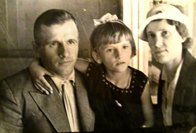 С женой Еленой и дочерью Ритой