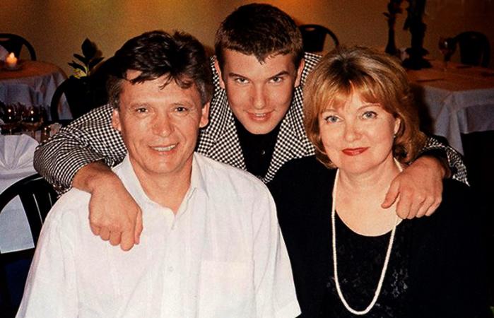 С женой и сыном