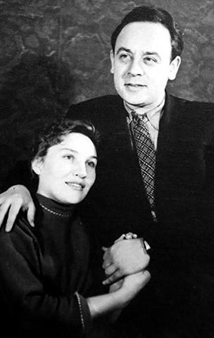 С первой женой Валентиной