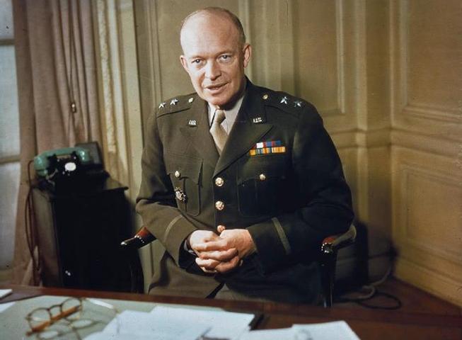 Генерал-майор Д. Эйзенхауэр (1942 г.)