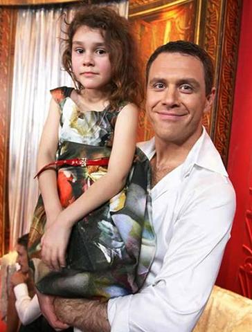 С дочерью Олесей