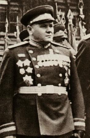 Андрей Еременко на Параде Победы (1945)