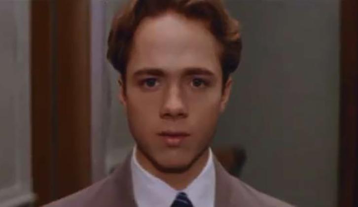 В фильм «Пчёлка» (1993)
