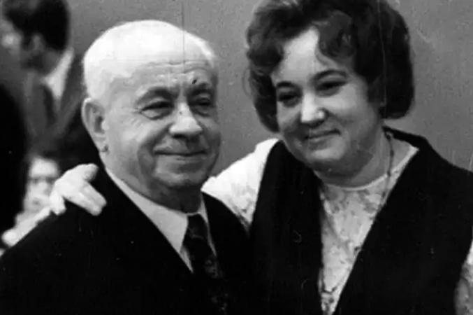 Со второй женой
