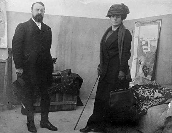 С женой Амели