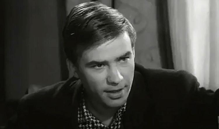 В фильме «Я шагаю по Москве» (1963)