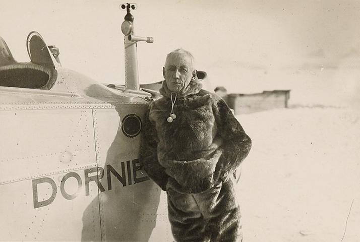 Руаль Амундсен и самолет на Шпицбергене (1925)