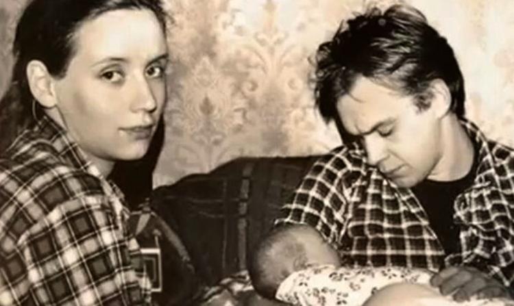С первой женой Анной и ребенком