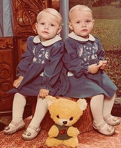 Сестры Любовь и Вера в детстве