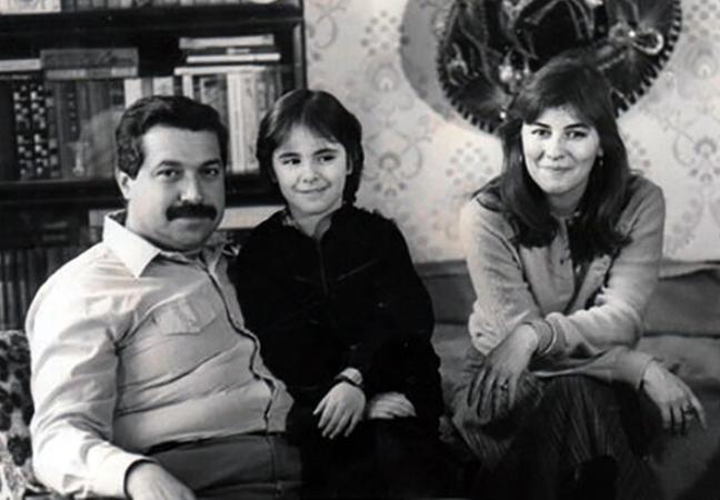 С женой и дочерью в молодости