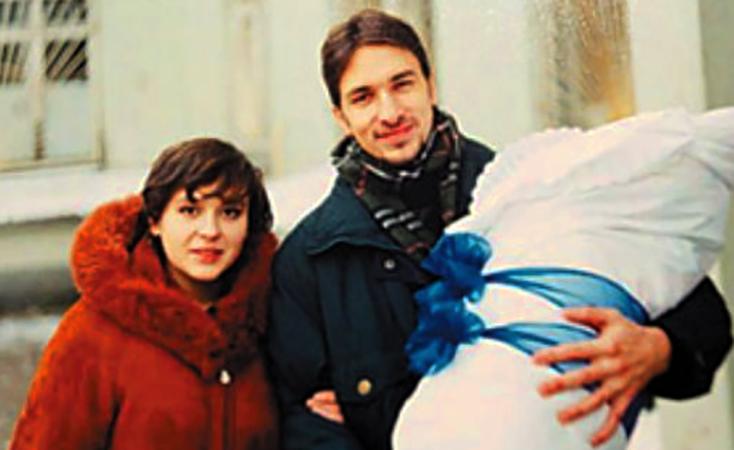С первой женой Еленой и сыном