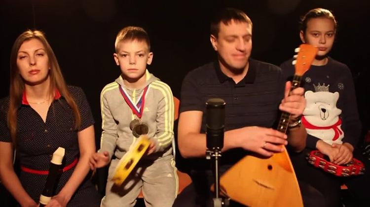 Вячеслав Антонов с семьей