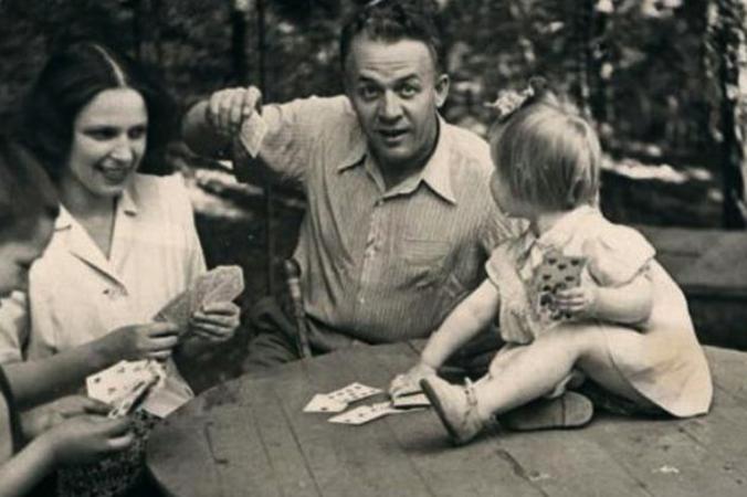 С четвертой женой Ириной и дочерью Марией