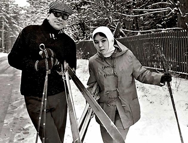 Родители — Андрей Кончаловский и Наталья Аринбасарова