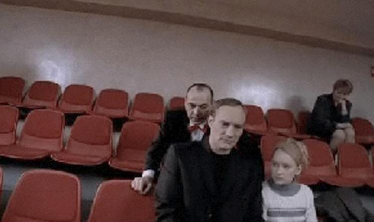 С отцом в фильме «Антикиллер» (2002)