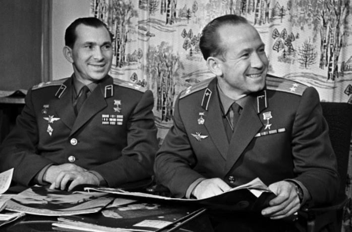 Павел Беляев и Алексей Леонов