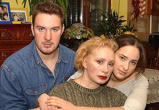 С мамой и сестрой Елизаветой
