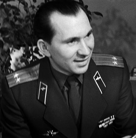 Молодой Павел Беляев