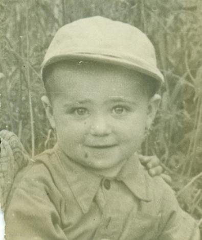 Александр Калягин в возрасте 3 года