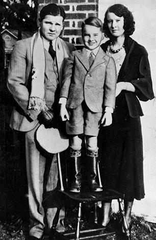 С женой Руби и сыном Джеком