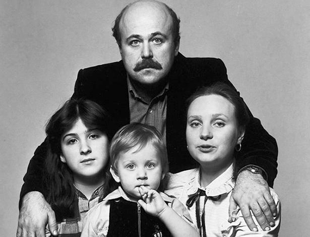 Со второй женой Евгений и детьми