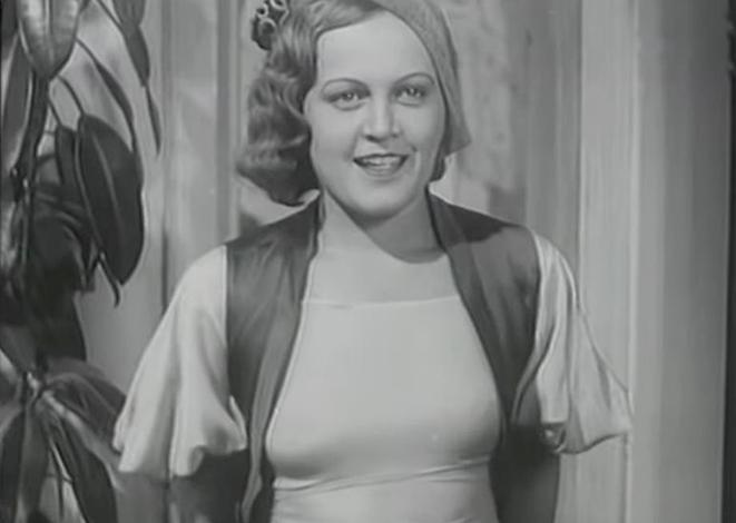 В фильме «Горячие денёчки» (1935)