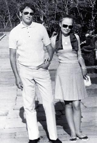 С мужем Владимиром в молодости