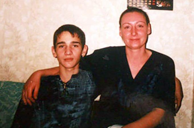 Алена Семенова с сыном Сергеем