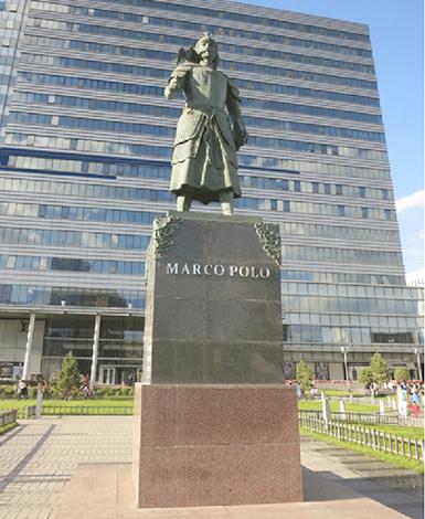 Памятник Марко Поло. Улан-Батор, Монголия