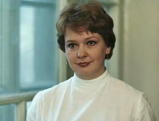 В фильме «Третий в пятом ряду» (1984)