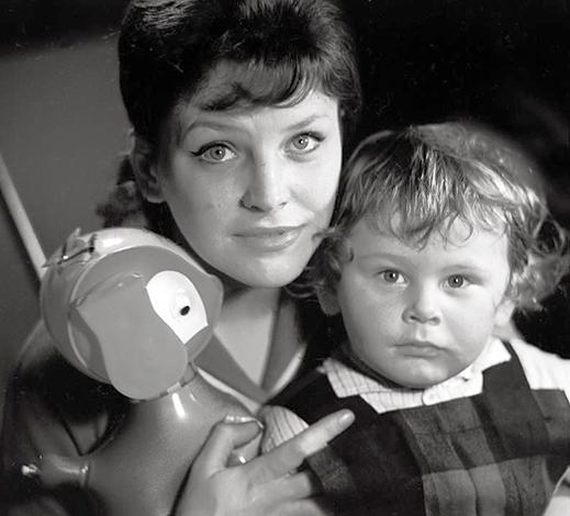 Первая жена Эльза с сыном Алексеем