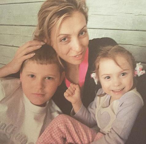 С детьми Сергеем и Варварой