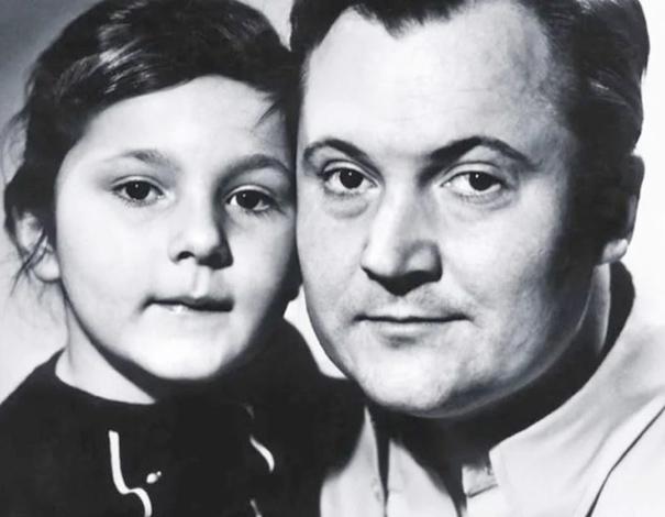 С дочерью Александрой