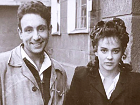 С первой женой Диной