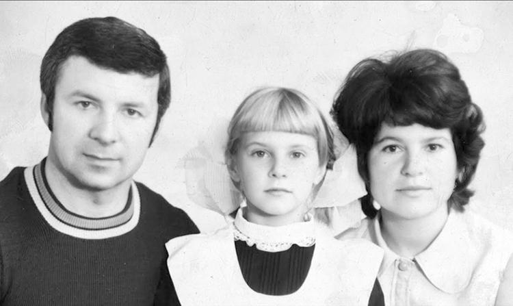 С первой женой и дочерью