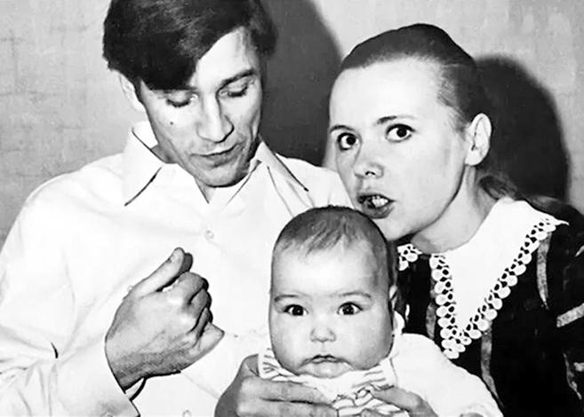 С женой Наталья и сыном Кириллом