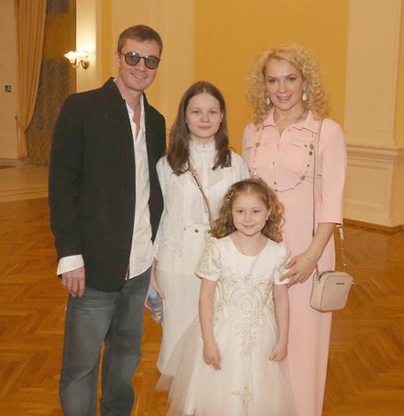 С Марией Порошиной и дочерьми