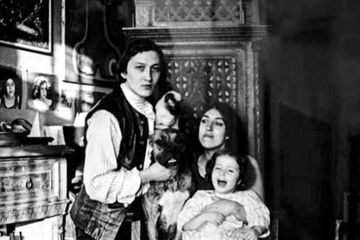 С Ревеккой Модлиной и дочерью Доротеей