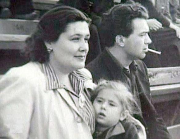 Со второй женой Викторией и дочерью Валентиной