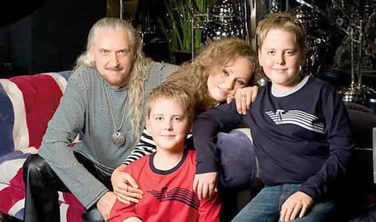 Сергей Джигурда с семьей