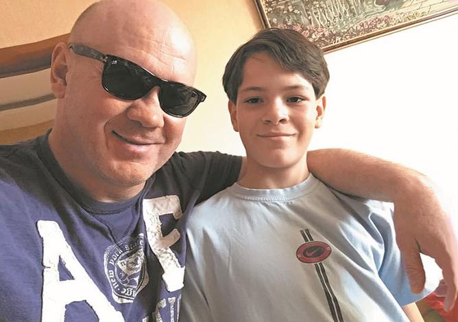 С младшим сыном Георгий